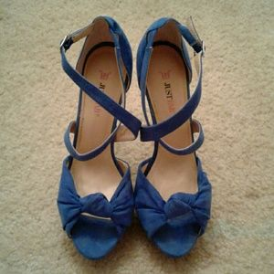 $20 Like new Justfab Delphina size 8.5